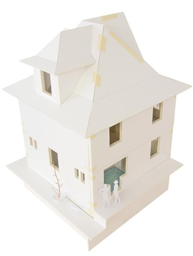 Modellfoto Eckhaus aus der Vogelperspektive. Zu sehen ist die offene wiedereingeführte Loggia.