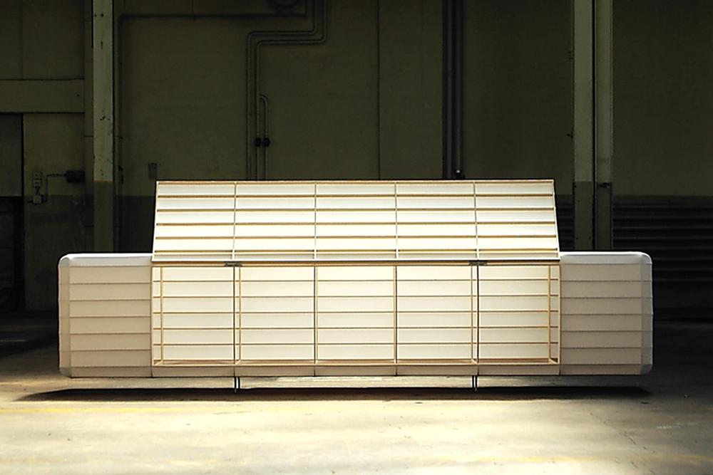 Sideboard nijo architekten, Holzgerippe mit Shoji-Papier bespannt.